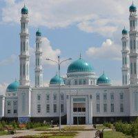 Главная мечеть Караганды. :: Андрей Хлопонин