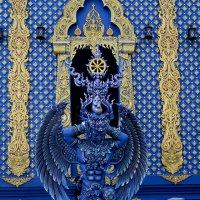 У стен Голубого храма. :: Alex