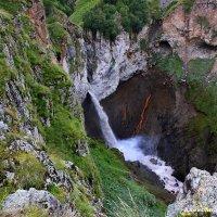водопад Кызыл су :: Александр Богатырёв