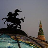 Москва новогодняя. :: Борис Бутцев
