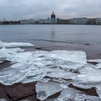 Вид на Неву с Университетской набережной. :: Владимир Засимов