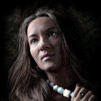 Девушка с ожерельем... :: Андрей Войцехов