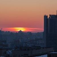 . Закат над городом :: Олег