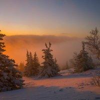 Рассвет на Уреньге. :: Владимир Батурин