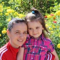 Мама с дочкой... :: Наталья Агеева