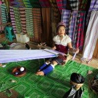 Мьянма работница за ткацким станком :: Andrey Vaganov