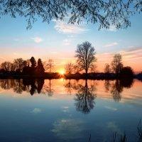 январский закат на реке Ааре :: Elena Wymann
