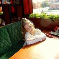 В кафе. :: Елизавета Успенская