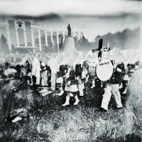 Марш безголовых с барабаном и крестом :: Сергей Вишняков