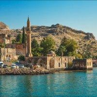 Затопленная мечеть на реке Евфрат, Турция :: Ирина Лепнёва