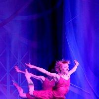 Акробатический танец :: Валерий