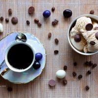 Чашка кофе и мороженое :: Александр Синдерёв