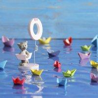 На кораблике бумажном уплывает детство наше… :: Ольга Акимова