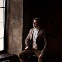 Мужской портрет с естественным освещением. :: Таня Турмалин