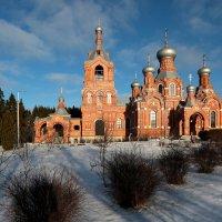 Крестовоздвиженский храм :: Юрий Моченов