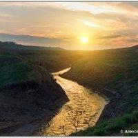 закат на реке :: Александр Богатырёв