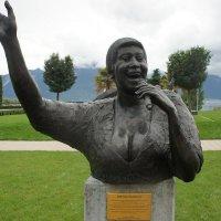 Памятник Арете Франклин :: Елена Павлова (Смолова)