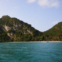 Дивный остров как горб верблюда Таиланд :: Aleksandr