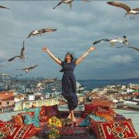 Стамбул, девушка, Босфор, чайки 2 :: Ирина Лепнёва