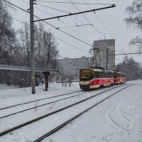 Шёл трамвай... :: Александр Синдерёв