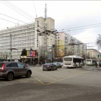 Дом профсоюзов - это монументальное здание было построено в 80-х годах прошлого века :: Татьяна Смоляниченко