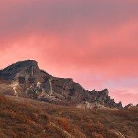 Оранжевые облака в горах :: Александр Степанов