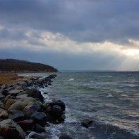 Море волнует,манит к себе. :: Mila .
