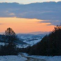 Дорога на перевал. :: Валерий Медведев