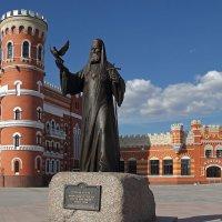 Памятник Патриарху Алексию II. Йошкар-Ола :: MILAV V