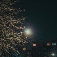 ночной фонарь :: Артем Герасименко