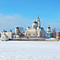 Монастырь Нилово-Столобенская пустынь :: Юрий Пучков