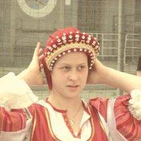 Девушка в кокошнике :: Дмитрий Никитин