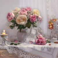 ...вновь с ароматом розы мерцает огонь свечи... :: Валентина Колова