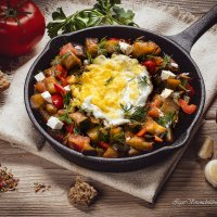 Fried eggs with vegetables and Tabasco sauce :: Igor Voronchikhin