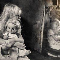 Дети и куклы 3 :: Evgeny Kornienko