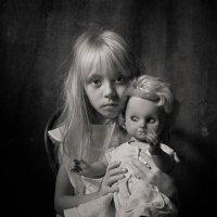 Дети и куклы 4 :: Evgeny Kornienko