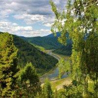 Взгляд в речную долину :: Сергей Чиняев
