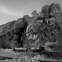 Хижина под горой :: M Marikfoto