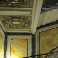 Парадная лестница в доме Елисеевых на Биржевой линии :: Маера Урусова