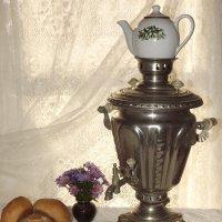 Горячий чай из самовара обычай старый на Руси! :: Нина Андронова