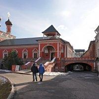 Высоко-Петровский ставропигиальный мужской монастырь 1315-1317 :: Леонид leo