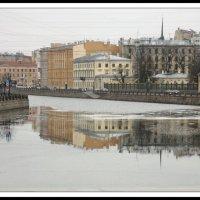 Фонтанка по утру :: Алексей Дмитриев