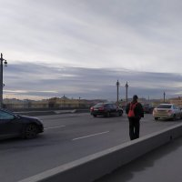 Одинокий пешеход или места ему мало :: Фотогруппа Весна-Вера,Саша,Натан