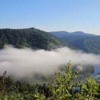 Облако над долиной :: Сергей Чиняев