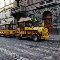 Паровозик с площади Рынок... :: Любовь С.
