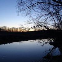 Закат на реке :: Денис Бочкарёв