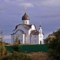 Церковь Новомучеников и Исповедников Российских в Митрополье. :: Ольга Довженко