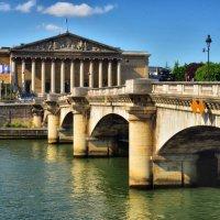 мост ведущий к зданию парламента Франции :: Георгий А