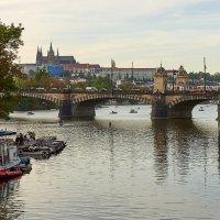 Отдых на реке. :: Виталий Бобров
