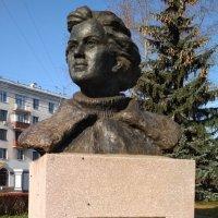 Памятник Рудневой Е.М. :: Марина Кушнарева